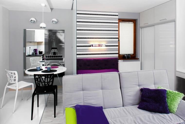 Sypialnia w salonie, łóżko w salonie