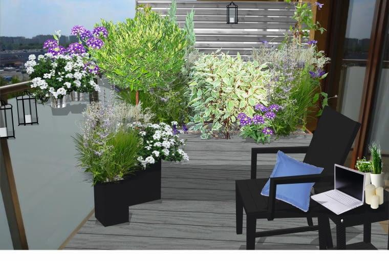 Ta aranżacja balkonu jest skromna, ale zarazem elegancka. Stonowana kolorystyka materiałów i posadzonych tu roślin uspokaja i sprzyja wypoczynkowi.