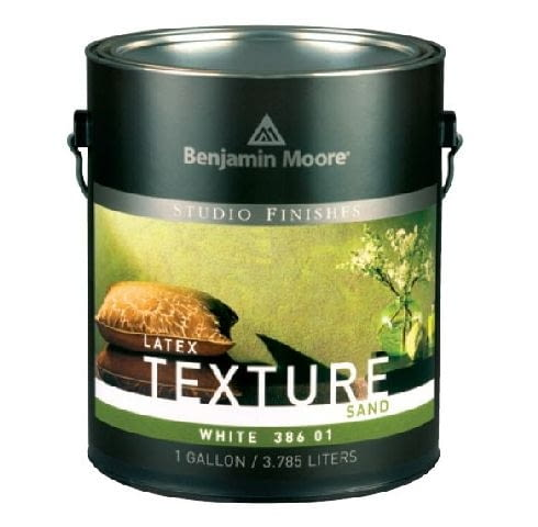 Farba strukturalna Texture Sand firmy BENJAMIN MOORE; efekt: wygląd naturalnego piaskowca; kolor: jasne odcienie uzyskane w systemie barwienia; cena: od 77 zł/l