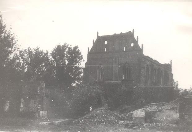 Zniszczenia wojenne. Kościół po 1945 roku.
