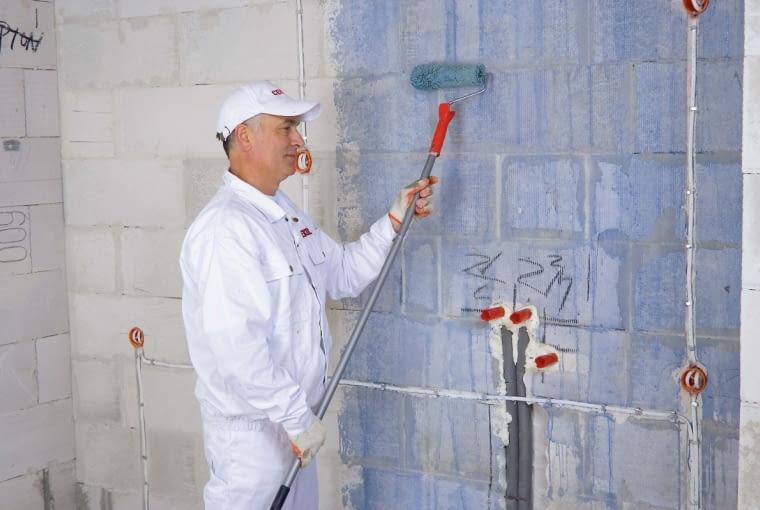 Перед началом строительных работ стоит поискать хороших специалистов, чтобы через некоторое время дефекты штукатурки не стали очевидными.