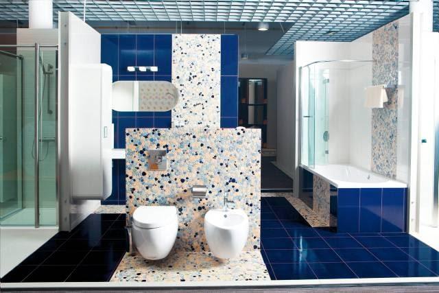 Dostawcami salonów są renomowani producenci wyposażenia łazienek: Disegno Ceramica, Villeroy & Boch, Cesana, Guglielmi, Grohe, Tiger, Geesa Aparici, Barwof i inni.