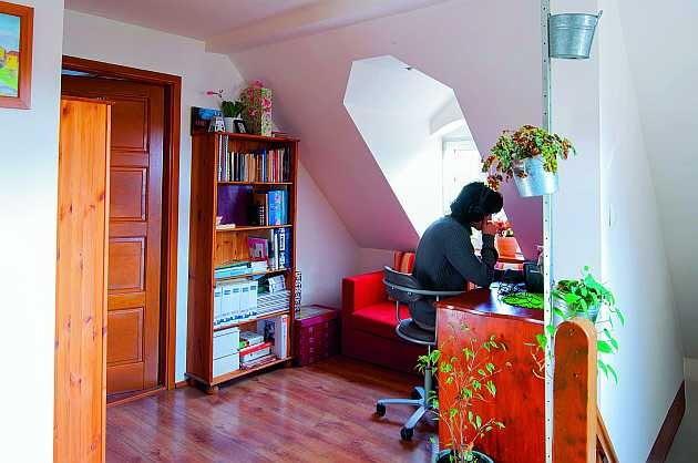 remont domu, poddasze, lukarna