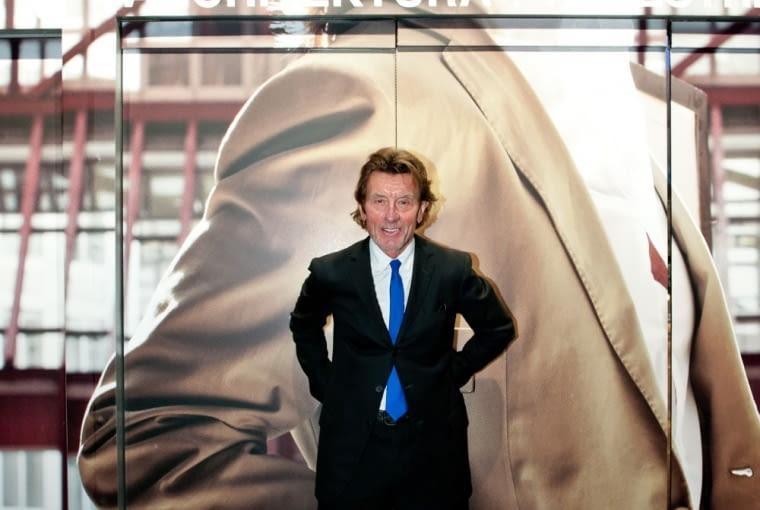 """Architekt warszawskiego wieżowca Cosmopolitan Twarda 2/4 podczas otwarcia swojej wystawy zatytułowanej """"Helmut Jahn. Architecture and Urban Space"""""""