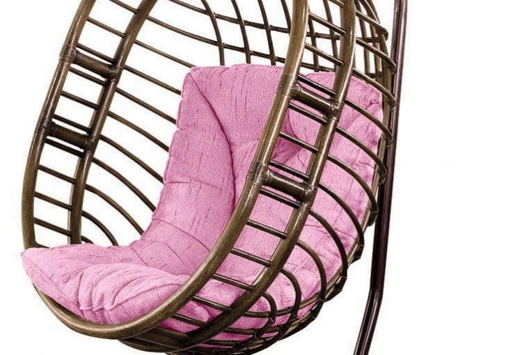 Ażurowy fotel-huśtawka z rattanu, Calamus Rotan