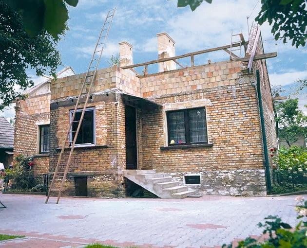 rozbudowa dachu, wymiana dachu, wymiana więźby dachowej, podniesienie domu