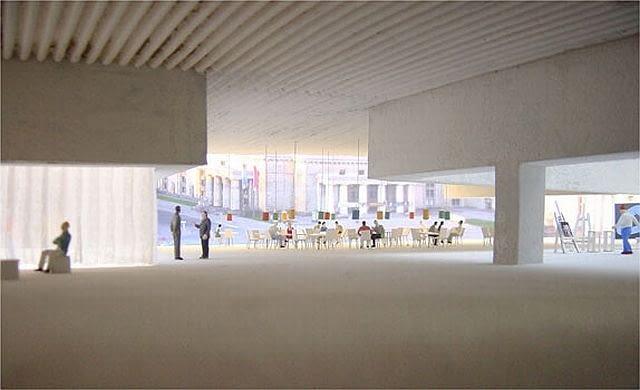 Pierwsze wizualizacje wnętrz muzeum. Widoczne żebrowania belek stropu i przeszklenie elewacji, otwierające przyziemia gmachu na widok miasta.