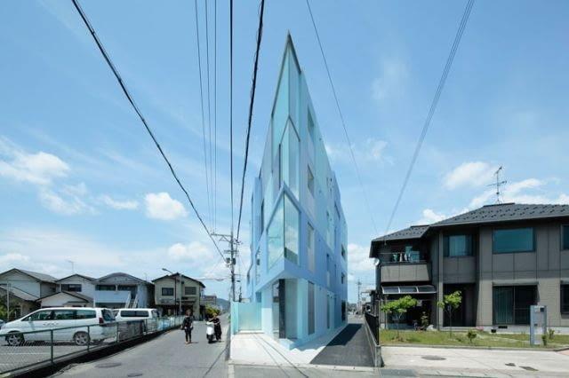 Flatiron- trójkątny budynek-żelazko autorstwa pracowni Eastern Design Office.