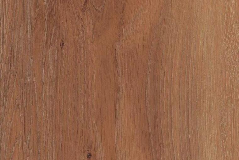 Kingsize/Wineo Klasa użyteczności: 23/31 panele winylowe grubość: 2,5 mm pełna deska, dekor Western Oak struktura drewna klejenie do podłoża. Cena: 109,90 zł/m2 (warstwa użytkowa 0,3 mm), www.wineo-polska.pl