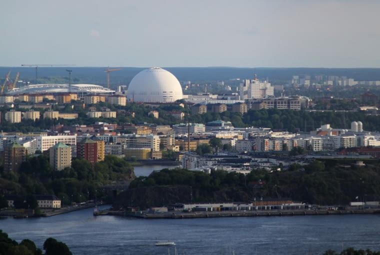 Ericsson Globe w panoramie Sztokholmu, źródło: wikipedia.org