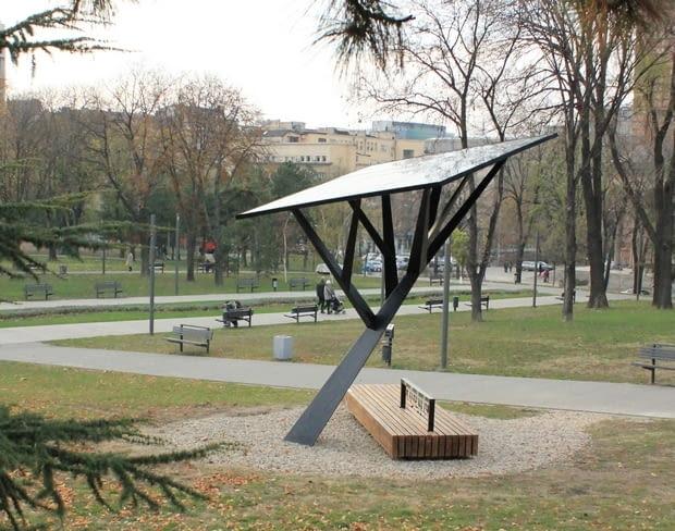 Solarne drzewo w Belgradzie