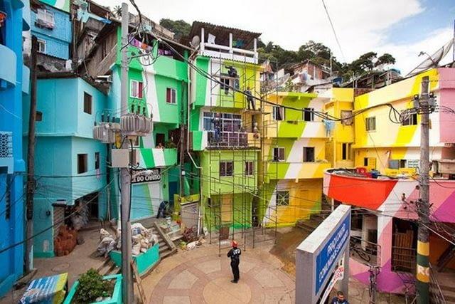 Kolorowe favele, proj. Haas&Hahn, Rio de Janeiro