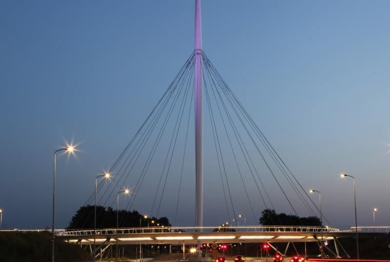 Kładka dla rowerzystów w Eindhoven w Holandii