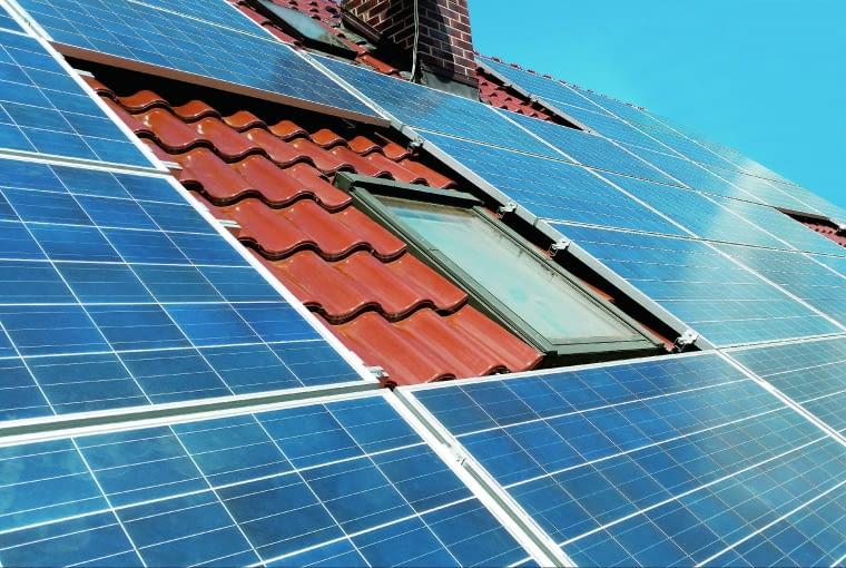 Wymaganą liczbę ogniw określa się przede wszystkim na podstawie zużycia prądu w domu