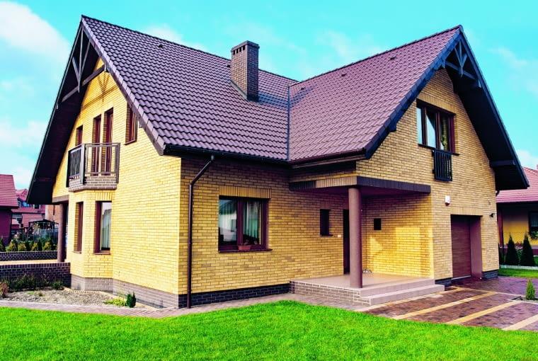 Klinkier do domów w tradycyjnym stylu Sahara cieniowana/CRH KLINKIER cegła klinkierowa wymiary: RF- 250 x 120 x 65 mm, NF - 240 x 115 x 71 mm kolor: żółty cieniowany Cena: 185 zł/m2
