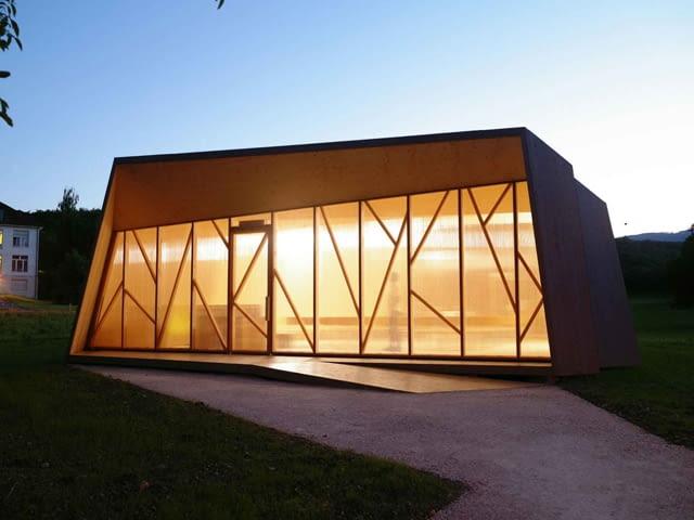 Kaplica w Pompaples w Szwajcarii. Projekt: Localarchitecture i Danilo Mondada.