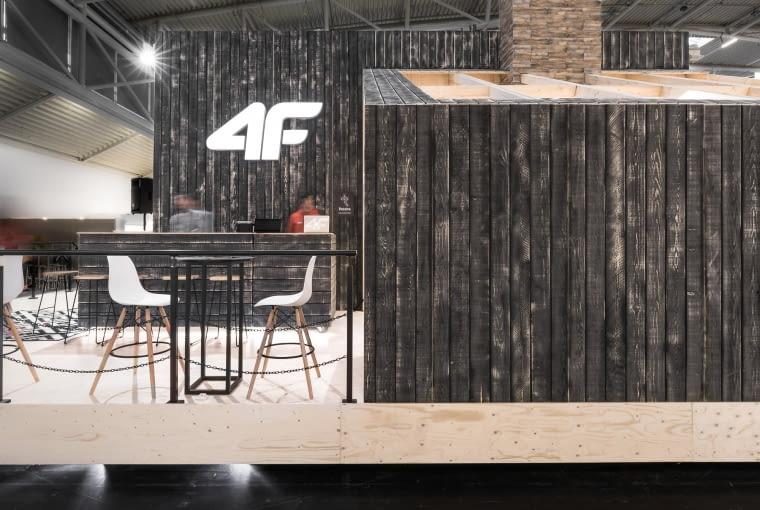 Stoisko firmy 4F zaprojektowane w pracowni mode:lina.