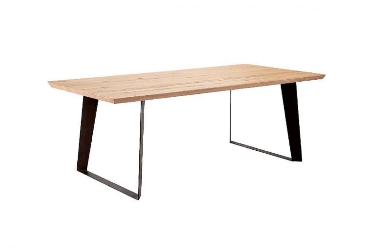 Stół, drewno dębowe i metal, od 180 x 90 cm, od 2359 zł, seart.pl