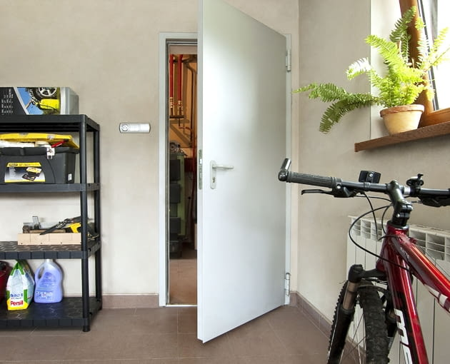 drzwi wzmocnione, pomieszczenie gospodarcze, garaż