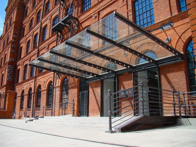 BRYŁA ROKU 2009: rewitalizacja Starej Przędzalni na Hotel Andel's, Łódź, proj. OP ARCHITEKTEN