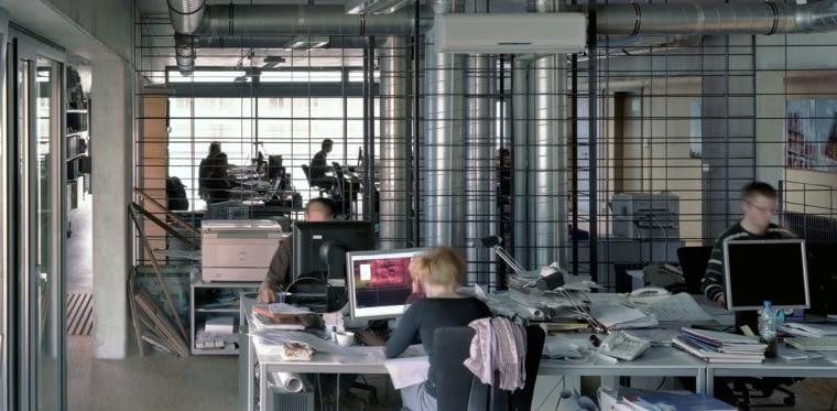 Siedziba pracowni JEMS Architekci w Warszawie - wnętrza sprzyjające kreatywnej pracy