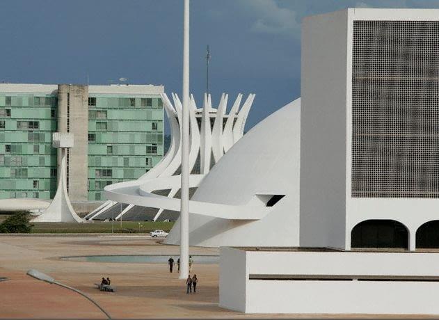 Brasilia, Budynek Rządu, Katedra, Muzeum Nowej Republiki, biblioteka.