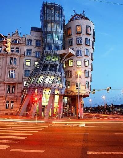 Frank Ghery, Vlado Milunić, Tańczący dom, Czechy, Praga