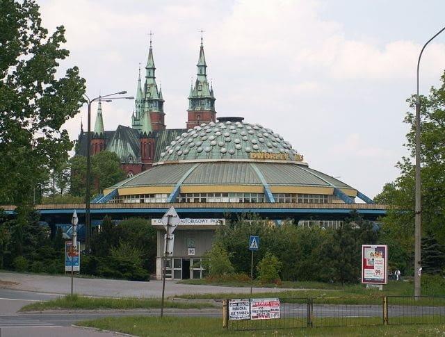 Dworzec PKS w Kielcach, fot. Paweł Cieśla Staszek_Szybki_Jest, Wikimedia Commons / CC-BY-SA-3.0