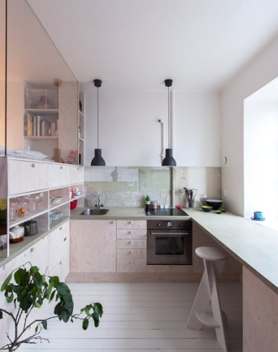 stare tapety, oryginalnie urządzone mieszkanie, ciekawe mieszkanie, małe mieszkanie