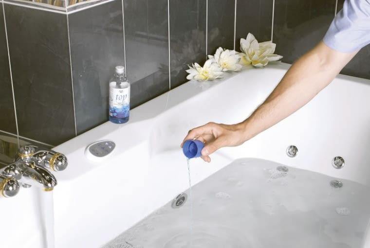 Wanna bez automatycznej dezynfekcji. Tu przed dezynfekcją płyn wlewa się bezpośrednio do wody