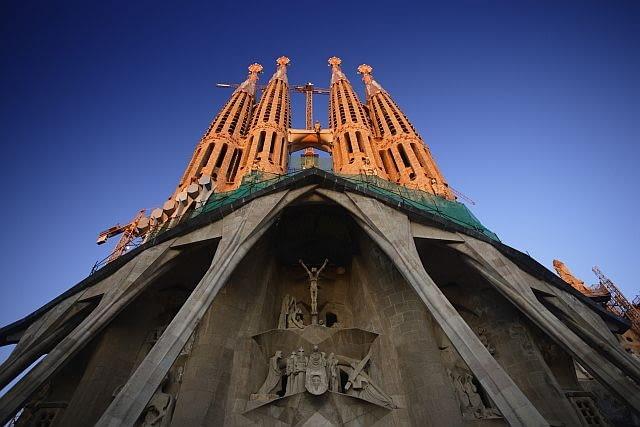 1882-1926, Barcelona, Spain --- Facade of Sagrada Familia --- Image by O. Alamany & E. Vicens/Corbis