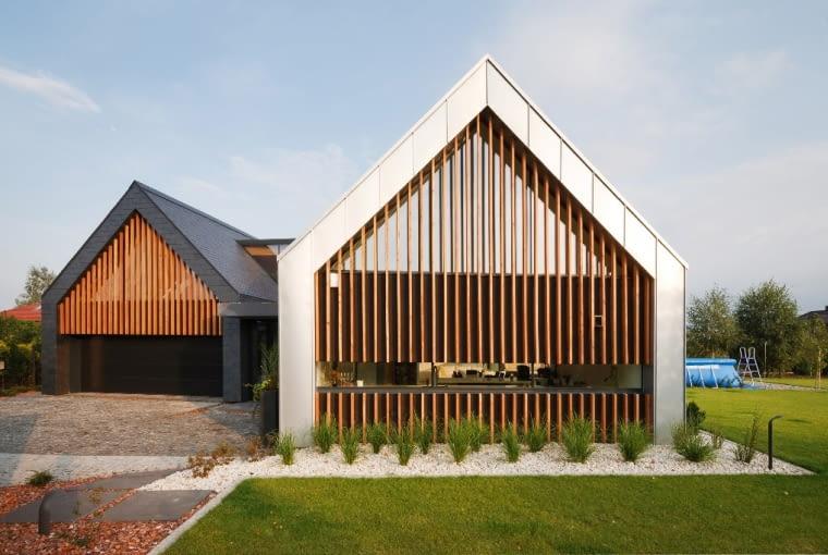 dom w tychach, dom stodoła, dom w stodole, nowoczesny dom