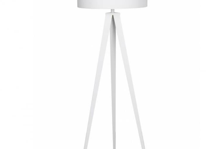 W stylu tego wnętrza: lampa podłogowa, drewno i tkanina, wys. 124 cm, zona-design.pl, cena: 975 zł
