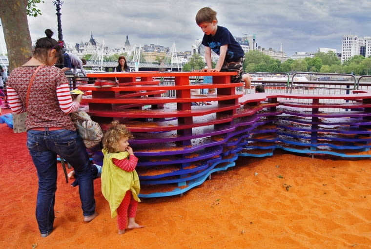 Rainbow Park- projekt partycypacyjny z użyciem kolorowego piasku