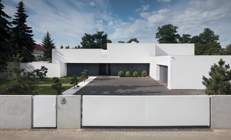 """""""Dom na linii horyzontu"""" pod Wrocławiem autorstwa KMA Kabarowski Misiura Architekci"""