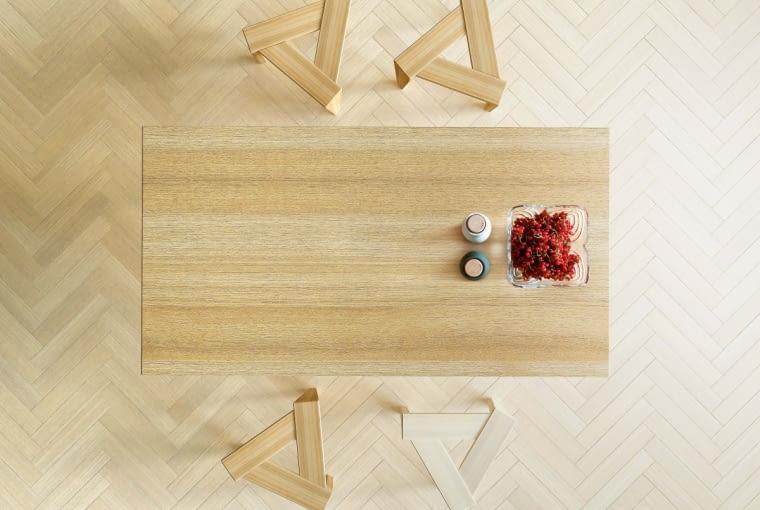 Stołki UKOS, drewno dębowe, na zamówienie