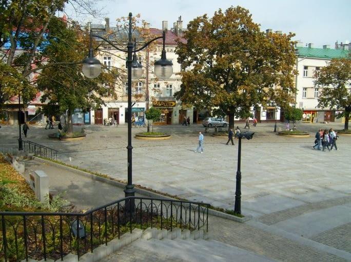 Przemyśl - Ulica Franciszkańska i plac Niepodległości