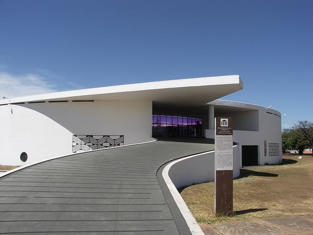 oscar niemeyer, brasilia, modernizm, architektura, architekt