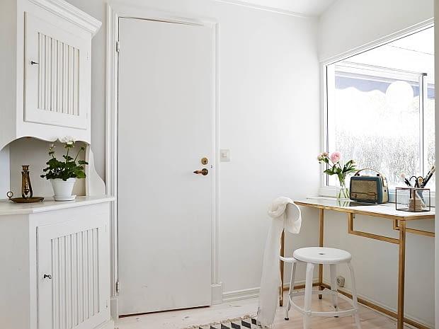 dom nad morzem, mały dom, jak urządzić dom, skandynawski styl, dom w skandynawskim stylu, jasny dom