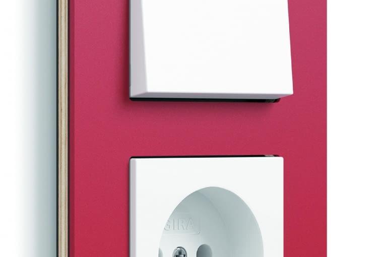 WYŻSZA CENA Esprit Linoleum/GIRA; ramka podwójna, łącznik i gniazdo z białego tworzywa, ramka ze sklejki i linoleum Cena: ok. 280 zł