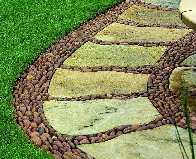 ścieżki w ogrodzie, nawierzchnia w ogrodzie, kamienne płyty