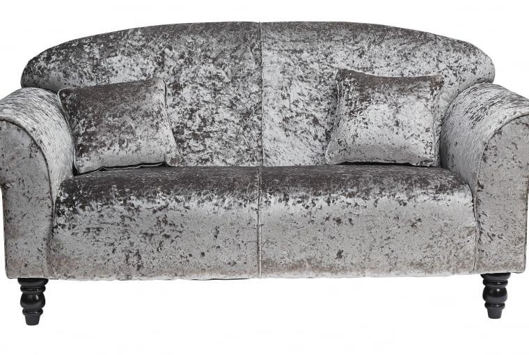 TK Maxx: Aksamitna srebrna sofa, 1799,99 zł