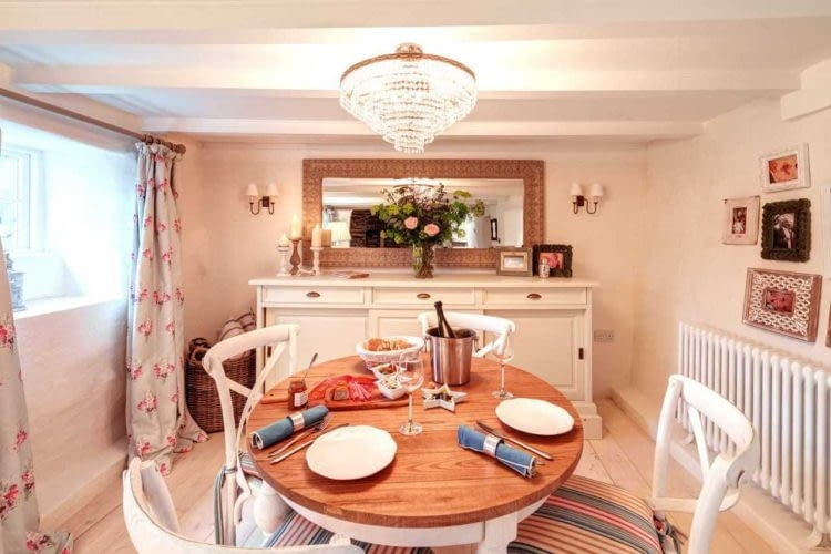 Stylowe, przytulne wnętrze to jeden z największych atutów Sweetpea Cottage