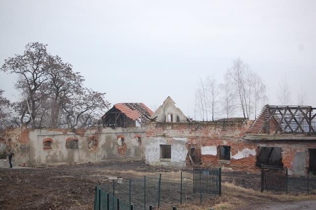 XIX-wieczny folwark w Chorowicach stan przed remontem