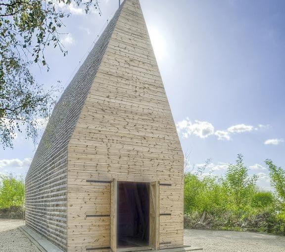 Drewniany kościół w Tarnowie, Projekt: Beton