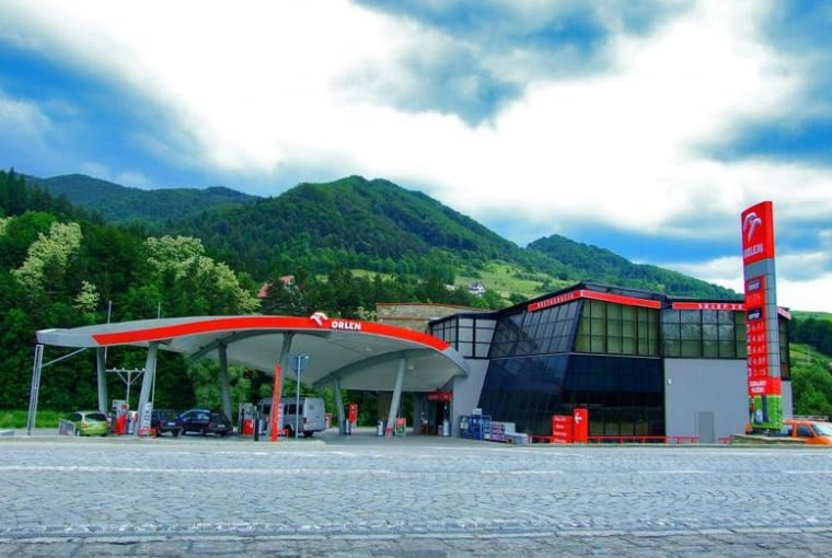 makabryła, stacja benzynowa, dekonstruktywizm, restauracja, hotel