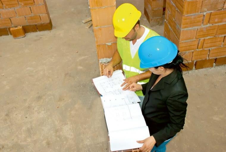 W przypadku ściany konstrukcyjnej jej wyburzanie wiąże się z koniecznością wykonania projektu przez uprawnioną osobę