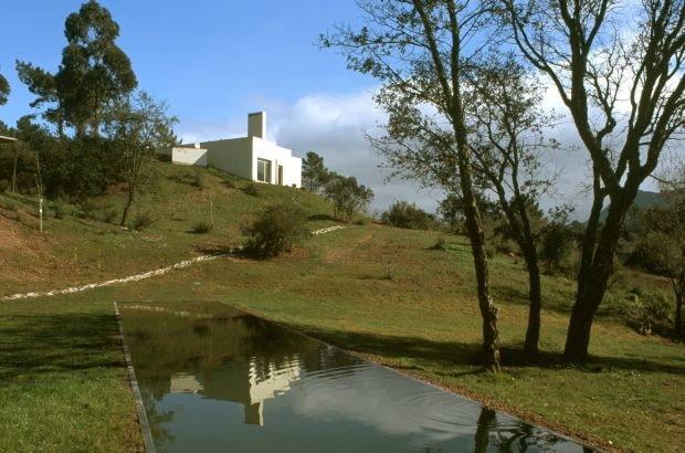 Edouardo Souto de Moura - dom jednorodzinny Serra da Arrabida/Portugalia