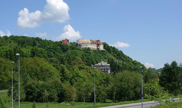 Zamek w stylu austriackim, architektura faszystowska, Przegorzały pod Krakowem
