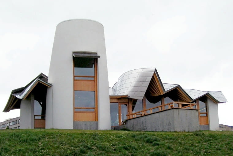 Maggie's Centre w Dundee (Szkocja). Proj. Frank Gehry
